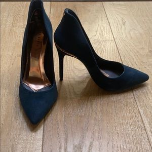 Ted Baker London navy pumps